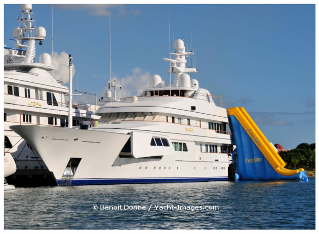 View large version of image: Megayacht Fortunato's Water Toy