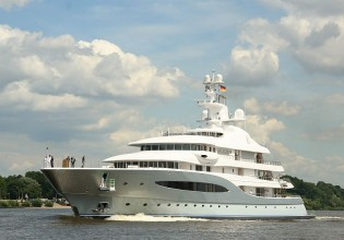 View large version of image: Massive 92m megayacht 'Mayan Queen IV' visits England.