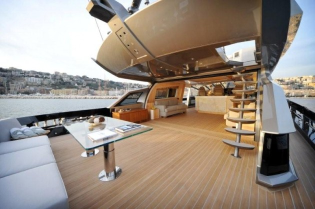View large version of image: Baia One Hundred Motor Yacht - Fore Deck