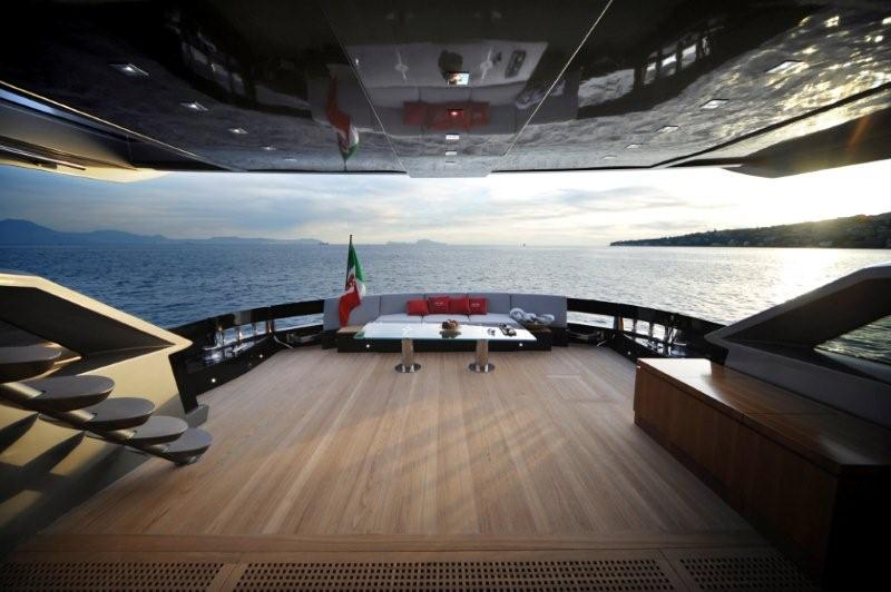 The aft deck of the Baia 100 motor yacht. Subjects: Baia