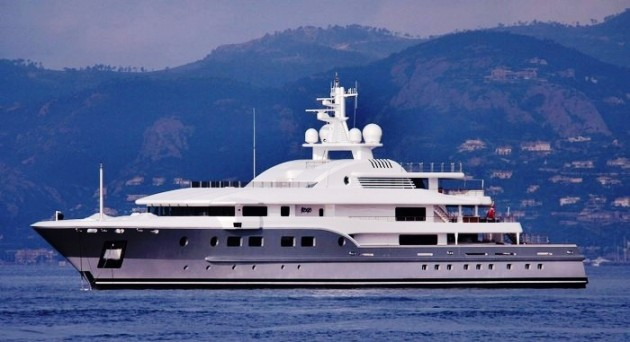 View large version of image: Luxury Motor Yacht KOGO Charter