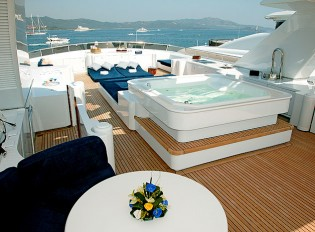 View large version of image: Eric Clapton's Motor Yacht