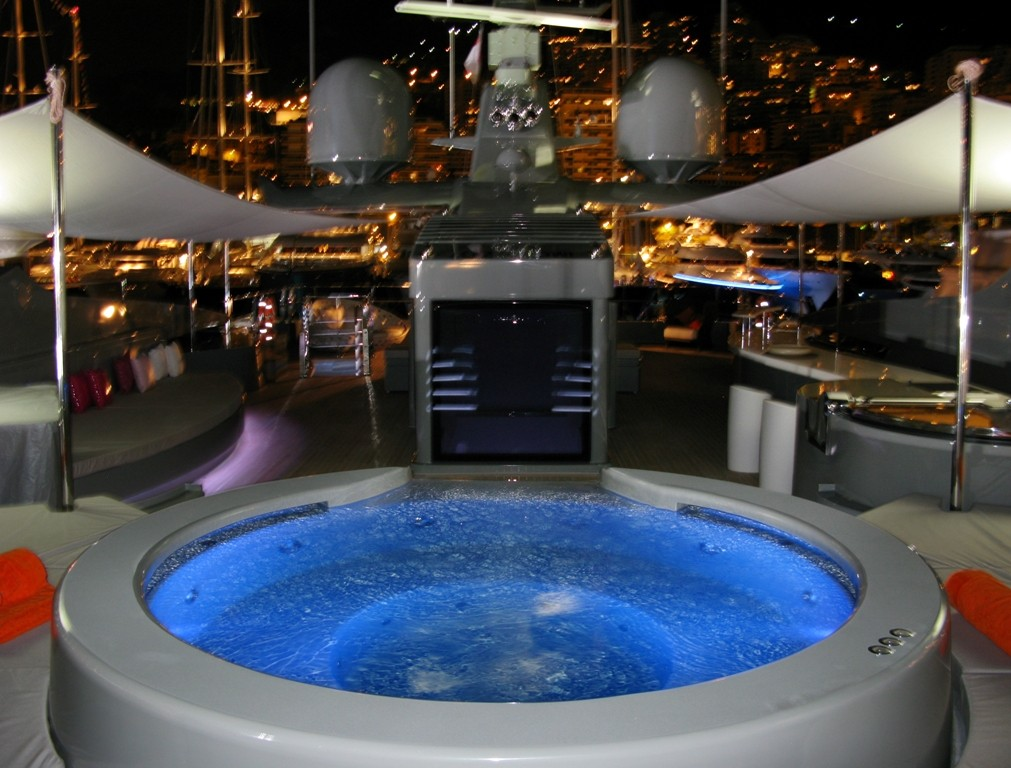 yacht sea force one jacuzzi superyachts news luxury yachts charter yachts for sale. Black Bedroom Furniture Sets. Home Design Ideas