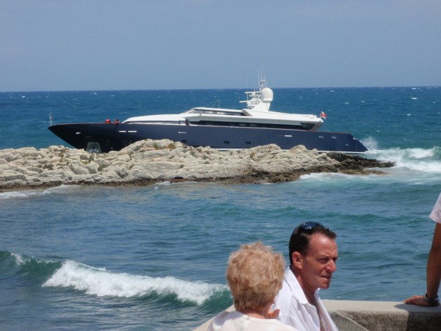 View large version of image: Superyacht on the rocks...