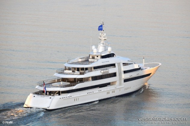 View large version of image: Superyacht VIBRANT CURIOSITY