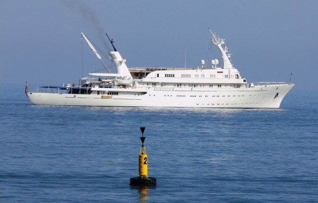 View large version of image: Classic Motor Yacht
