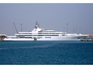 View large version of image: The Top 100 Superyachts 2010