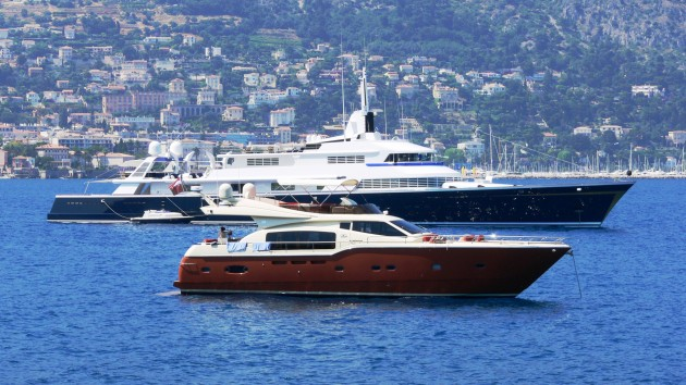 View large version of image: Yacht THE ONE