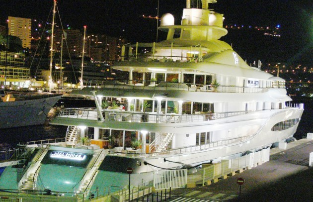 View large version of image: Yacht Mayan Queen Photo in Monaco
