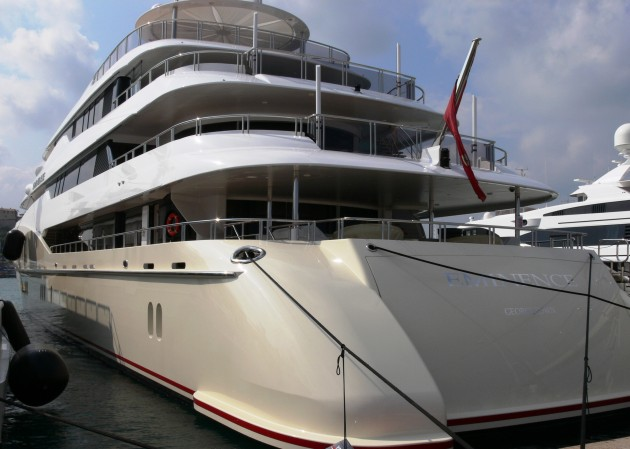 View large version of image: Motor Yacht EMINENCE