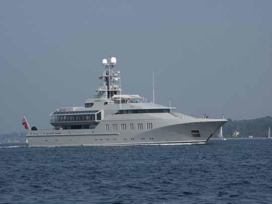 As Unconventional As it Can Get : Superyacht  SKAT