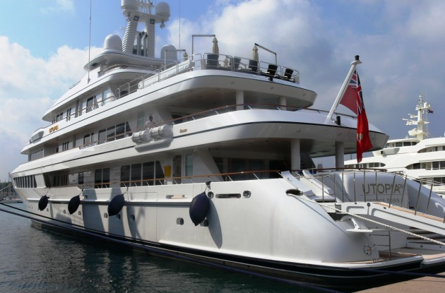 View large version of image: Yacht UTOPIA Photo in Antibes