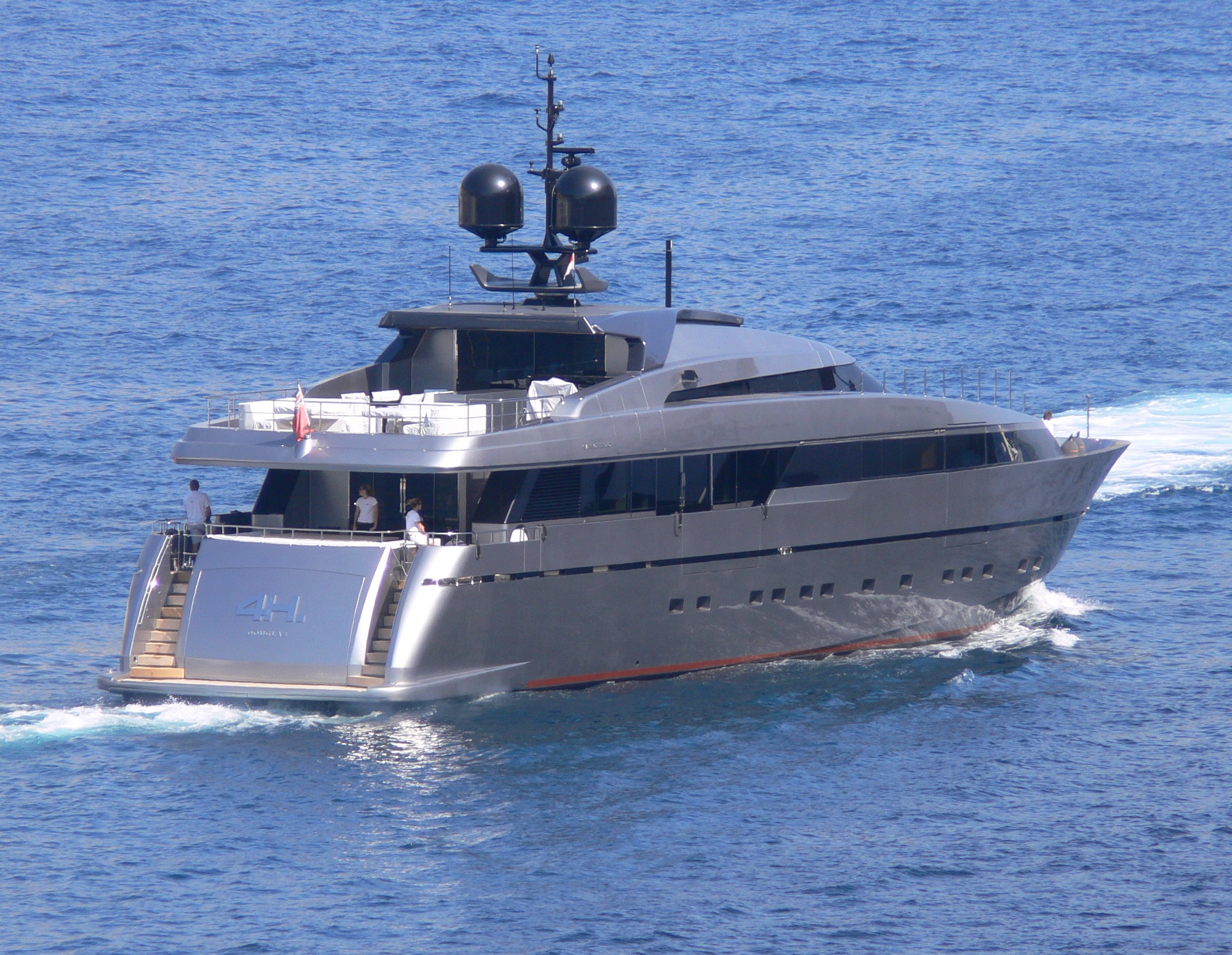 Motor yacht 4 h superyachts news luxury yachts charter for Luxury motor boats for sale
