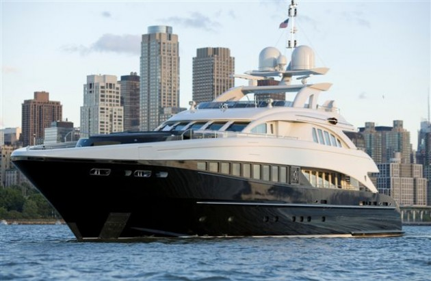 View large version of image: One O One Heesen