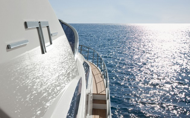 View large version of image: Azimut Yacht Wallpaper