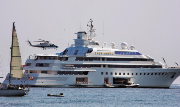 View large version of image: Mega Yacht Lady Moura