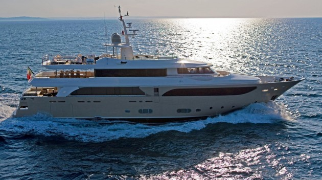 View large version of image: CRN Motor Yacht SOFICO