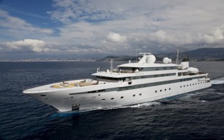 View large version of image: Preview Of The Fabulous Super yachts at the Abu Dhabi Yacht Show 2010