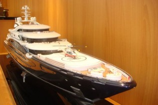 View large version of image: At Abu Dhabi Yacht Show 2010 :  Fincantieri Unveils New Superyacht Design by Expen Øino
