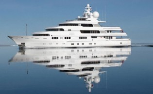 View large version of image: Registration Begins for the Luxury Megayacht Auction in Grand Cayman this Month