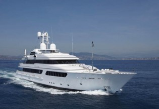 View large version of image: The Magnificent Feadship Hurrican Run