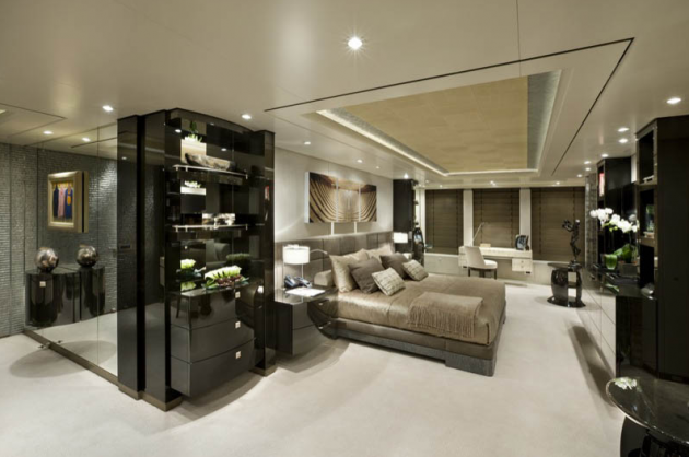 View large version of image: Hurricane Run Superyacht Interior Image