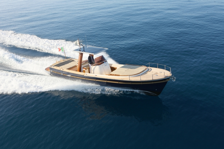 View large version of image: Aicon Yachts is to present Morgan 33 Dinghy at ...