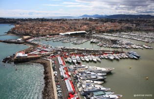 View large version of image: The 4th Antibes Yacht Show 2010, France.