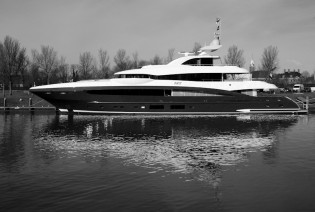 View large version of image: Motor Yacht SKY launched by Heesen Yachts - at 49.80m their largest superyacht