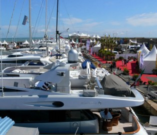 View large version of image: The 2010 Antibes Yacht Show Promises to be a Great Success