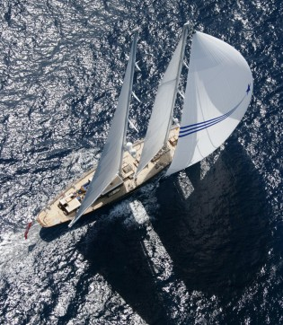 View large version of image: Royal Huisman 36.58m/120' classic cruising yacht - preliminary details