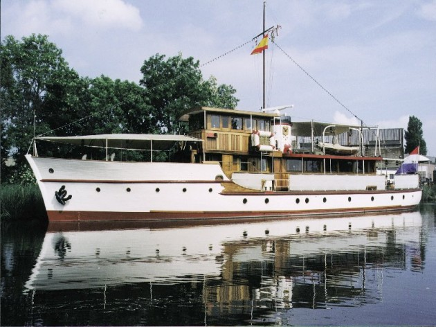 View large version of image: 1920-25, 30m. Motor Yacht