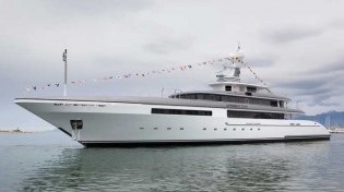 View large version of image: SuperYacht Family Day launched by Cantieri Navali Codecasa