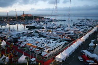 View large version of image: Antibes Yacht Show 2010 - A Great Success With 11 000 visitors