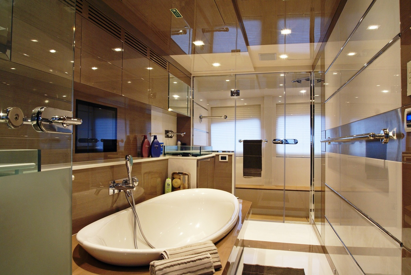 Yacht noor master ensuite interior design by hot lab for Ensuite lighting ideas