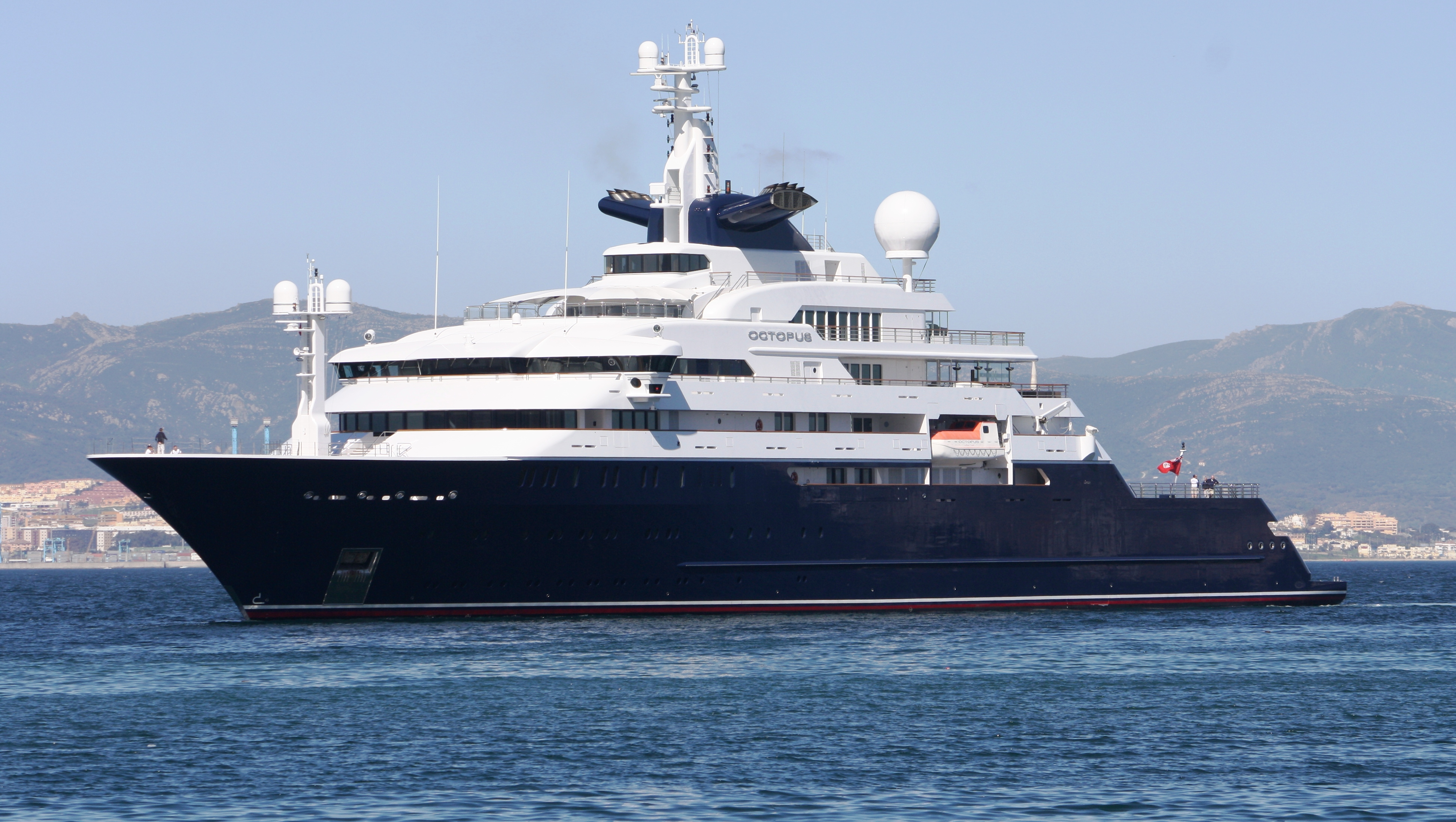 View Large Version Of Image Superyacht Octopus
