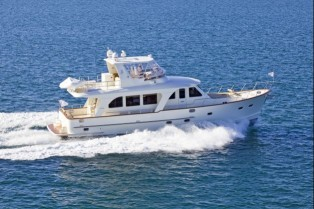 View large version of image: New line of luxury sedan cruisers from Clipper Motor Yachts