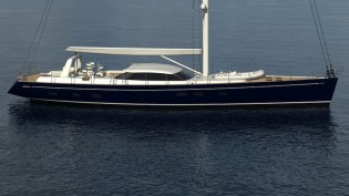 View large version of image: Dixon Yacht Design challenged by the sailing yacht Meteor design
