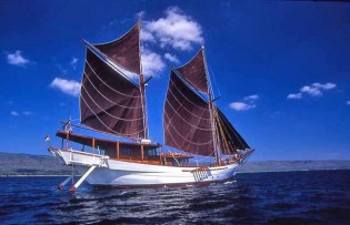 View large version of image: Yacht, Silolona, Available for Charter in Indonesia