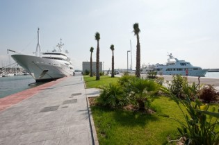 View large version of image: Vilanova Grand Marina in Barcelona launches captain and crew sport and leisure activities