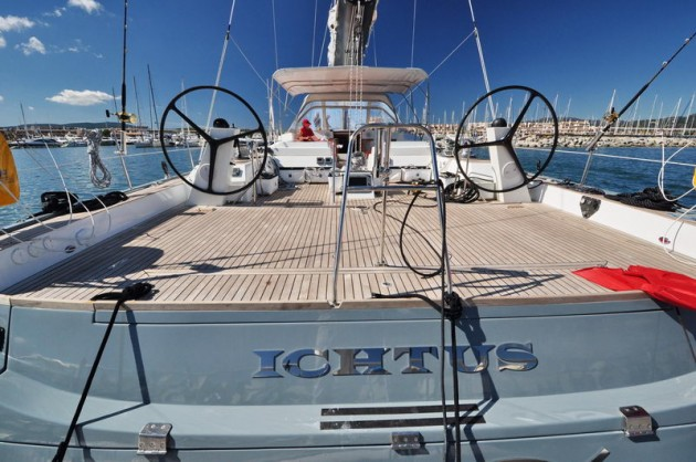 View large version of image: Sail yacht charter
