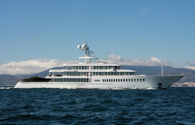 View large version of image: Superyacht Fountainhead
