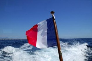 View large version of image: Bareboat Charter registration under French flag
