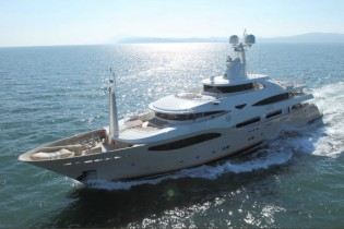View large version of image: 60m Yacht Darlings Danama by CRN