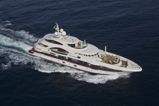 View large version of image: Luxury charter yacht QUINTA ESSENTIA – the ultimate perfection