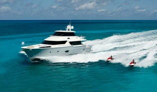View large version of image: Horizon Yacht CC105 and V74 Yacht Shipping to Florida East Coast