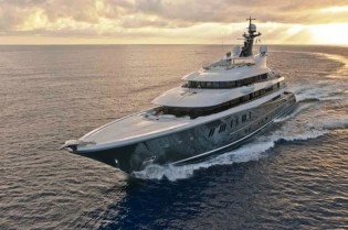 View large version of image: 90m superyacht PHOENIX 2 by Lurssen available for luxury yacht charters