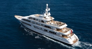 View large version of image: 10 Fabulous Caribbean Luxury Motor Yacht Charters