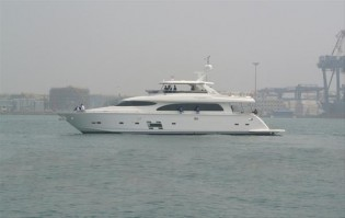 View large version of image: Horizon E84 virginia yacht scheduled to be delivered in March