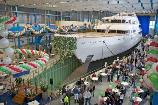 View large version of image: Feadship launches the 78.5m yacht Hampshire II (ex hull 806)